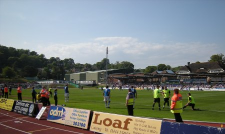 The Albion subs warming up, this is two minutes after I got stung by a bastard Withdean wasp